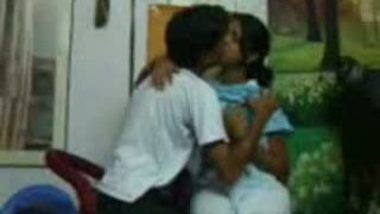 College Couples in Class Enjoying Kissing Mms