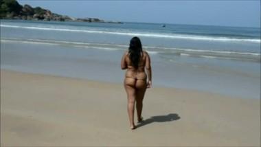 Outdoor ass show of Anitha bhabhi in beach
