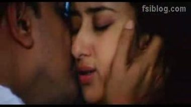 Manisha Hot Kiss Scene – FSIBlog.com