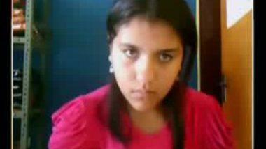 Mumbai Girl Showing her Boobs in webcam