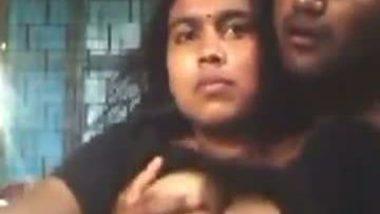Bangladeshi bhabhi boobs pressing Selfie