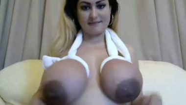 Big boobs naughty bhabhi playing with her melons