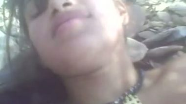 Mallu Beautiful young house wife outdoor sex mms