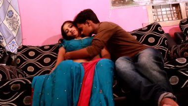 Indian aunty romance with neighbour in bollywood bgrade