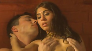 Sexy Brunette Slut Gets Fucked In A Jacuzzi