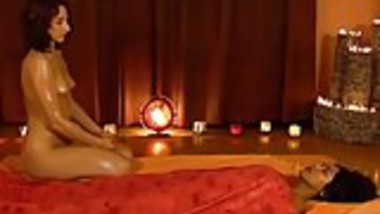 Beautiful Feminine Massage From Exotic India