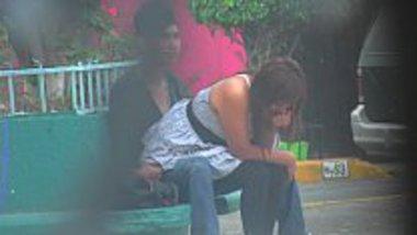 Desi girl riding dick in the park