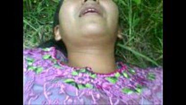 Fingering hot Nepali girl in the jungle