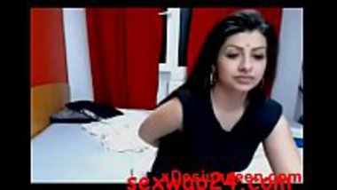 Desi cam couple having a romantic sex online