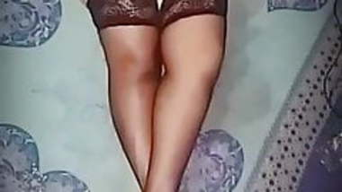 Indian Bengali Wife Jeanette in stockings & cream heels