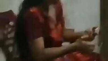 Tamil housewife exposing her feelings