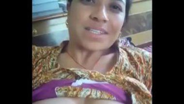 Sexy Gujarati Aunty Exposing Naked Body
