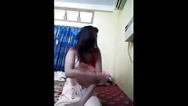 Desi hot model stripping