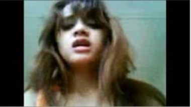 Rich Delhi College Girl's Fucking Video