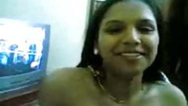 Bangalore chick flashing her tits to her BF