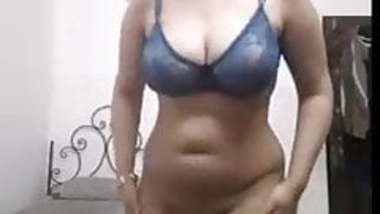 Sexy Indian Girl Flash Full Body