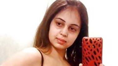 desi bhabhi take selfie for boyfriend