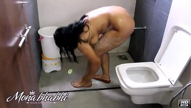 mona-bhabh-indian-aunty-hot-shower