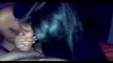Indian slime and beautiful delhi girl doing handjob fucking office boss