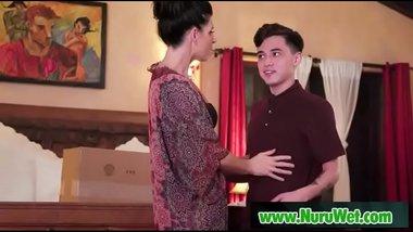 Milf masseuse gives nuru gel massage - India Summer & Juan Loco