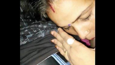 Saveetha Bhabhi with Neighbour Boy Smooch n Blowjob-HD