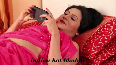 Indian Hot Bhabhi - Nipple Show