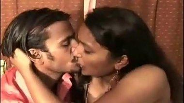 Reshma Bhabhi With Her Desi Lover Raj