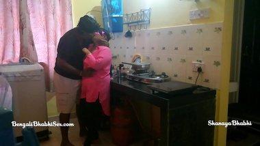 big ass bengali bhabhi having hot hardsex in kitchen