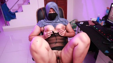 HijabGirl indonesia Masturbation Watching Porn