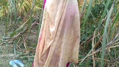 Indian desi village bhabhi outdoor fucking