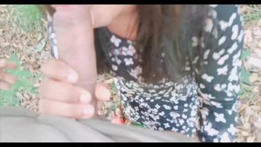 Srilankan teen couple outdoor sex jungle fuck