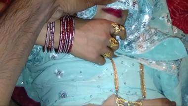 Desi married bhabhi fuck in wedroom