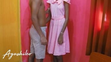 Sri lankan horny school teen with her step brother අයේෂ නංගි මල්ලි එක්ක