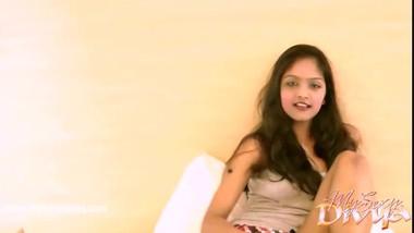 Sexy Indian Babe Divya