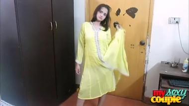 indian babe sonia masturbation moaning giving sunny a blowjob