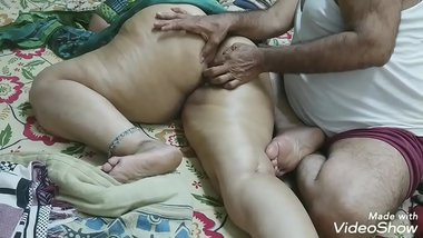 big round butt massage indian d. in law made a massage with her f. in law with oil on her big round ass and satisfied the multi of finger rammed in th
