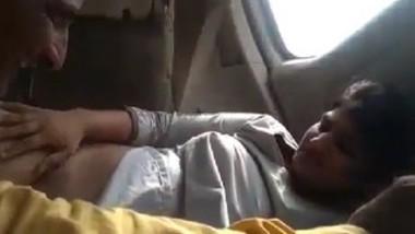 Desi girl fucking in car