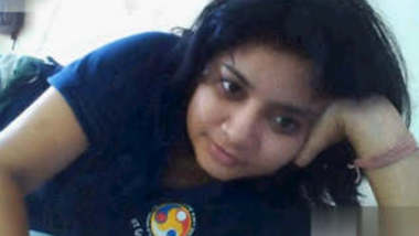 Beautiful Assame Gf Showing On Video Call 2 Clips Part 2
