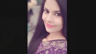 Bangladeshi Beautiful Cute Girl Showing
