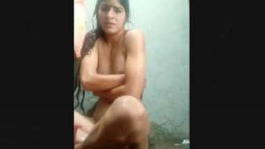 Desi Girl Record Bathing