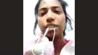 Paki Girl Showing Boobs