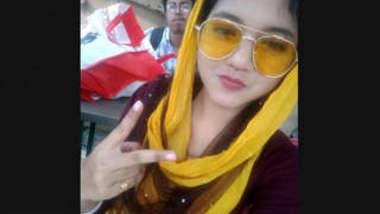 Bangladeshi Girl Leaked Videos Part 1