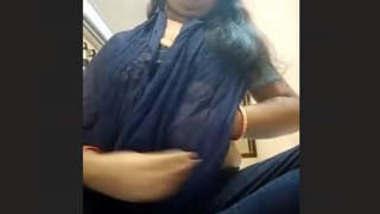 Sexy bhabhi Teaching Fans