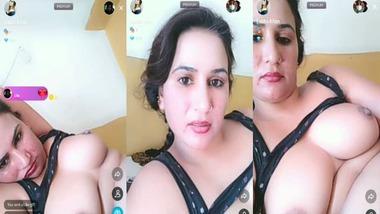 Naughty Punjabi Bhabhi nude bath selfie video