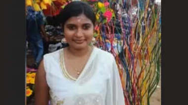 Cute Tamil Girl Showing Her Boobs and Pussy
