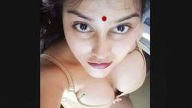 sexy Mallu Girl Showing Her Boobs and Pussy Part 1