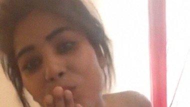 Railway staff lady naked selfie video leaked online
