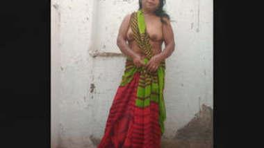 Desi Randi Bhabi 2 Clips Part 1