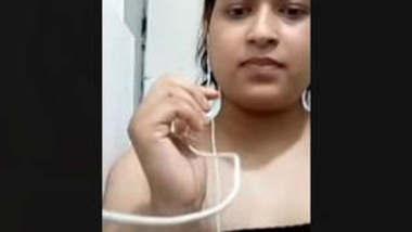 Bangladeshi Gf Showing On Video Call
