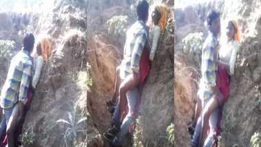 Adivasi girl outdoor sex MMS caught by a voyeur